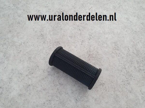 Voetsteun rubber passagier www.uralonderdelen.nl